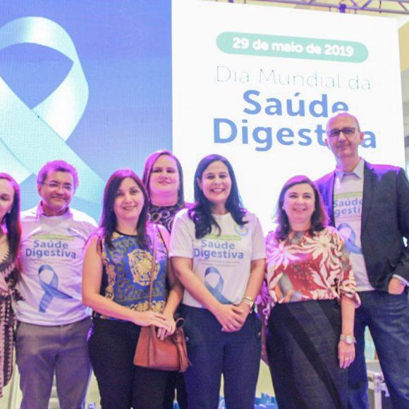 Clínica Gastros participa do Dia Mundial da Saúde Digestiva em shopping de Teresina